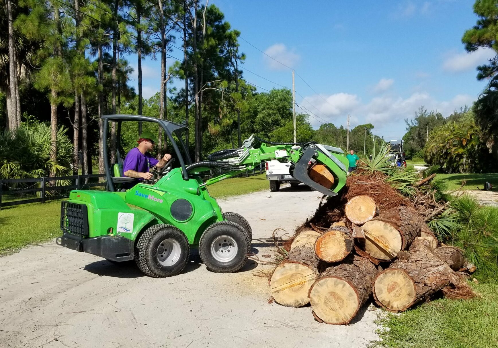 SaveMore Tree Service - Tree Removal and Trimming Services Loxahatchee - SaveMore Tree Service
