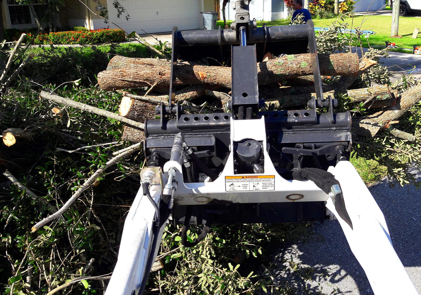 Storm Preparation, Storm Cleanup in Loxahatchee, Royal Palm Beach, Wellington, FL - SaveMore Tree Service